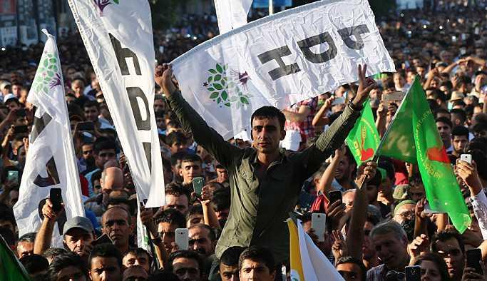 HDP'nin Diyarbakır adayı Mızraklı ile Uyanık
