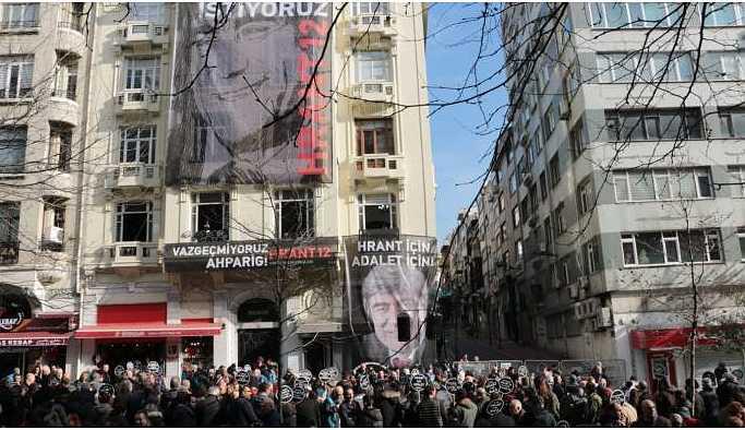 Hrant Dink katledilişinin 12'nci yılında anılıyor