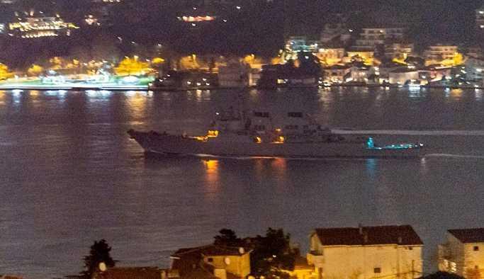 İstanbul Boğazı'nı geçerek Karadeniz'e giren ABD savaş gemisinin fotoğrafı yayınlandı
