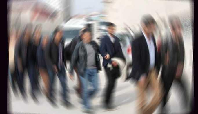 İzmir ve Adana'da çok sayıda gözaltı