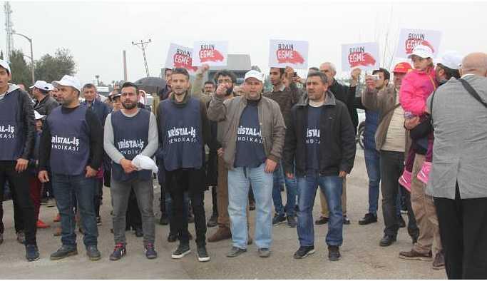 İzocam işçileri: Haklı olarak greve çıktık