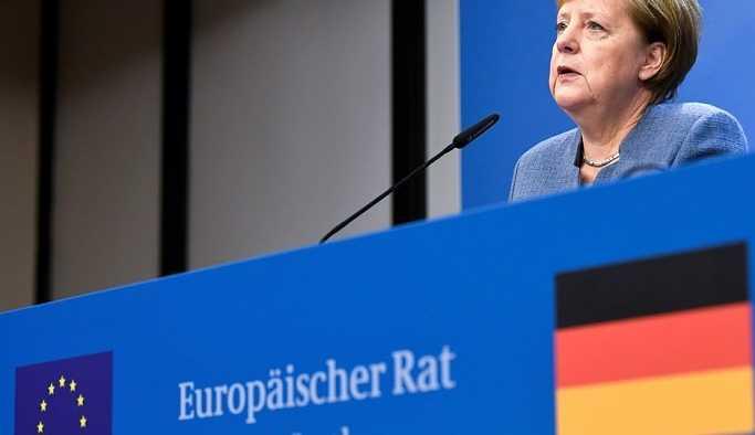 Merkel, Avrupa'yı milliyetçilik 'felaketine' karşı uyardı