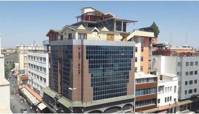 Plazanın çatısındaki kaçak villa 'imar barışı'nı bekliyor