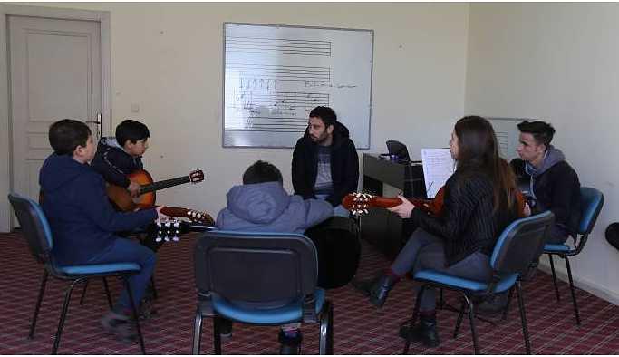 Serhat Kültür Merkezi 7 farklı atölye ile sanatseverleri bekliyor