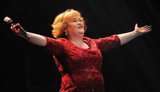 Susan Boyle 10 yıl aradan sonra yeniden ekranda: Performansıyla geceye damga vurdu