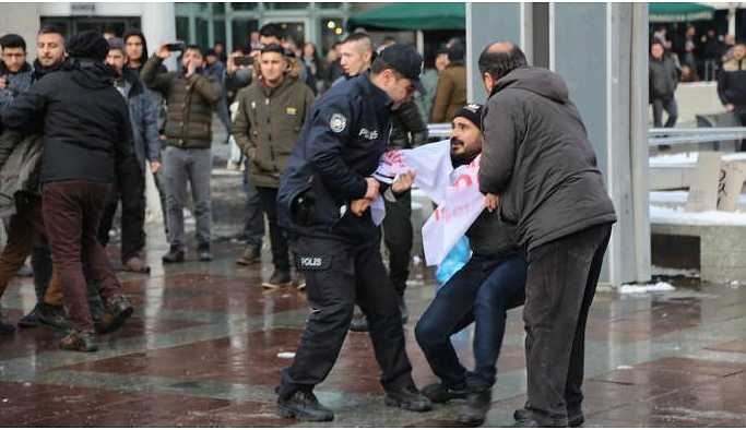 TOKİ işçilerine Kızılay'da müdahale: 8 gözaltı