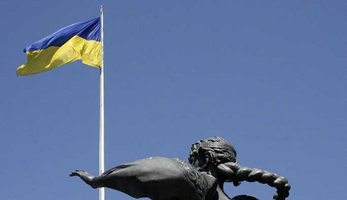 Ukrayna: NATO gemileri Karadeniz'e girmeye hazırlanıyor
