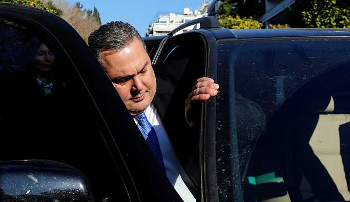Yunanistan Savunma Bakanı Kammenos istifasını verdi
