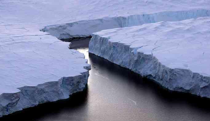 Antarktika'da devasa çukur keşfedildi: 'Yerle bağlantısı olmadığını düşündük'