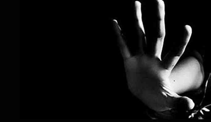 'Boynuma bıçak, başıma silah dayadı ve 'Benden ayrılırsan seni öldürürüm' dedi, yüzüme kezzap atmakla tehdit etti'