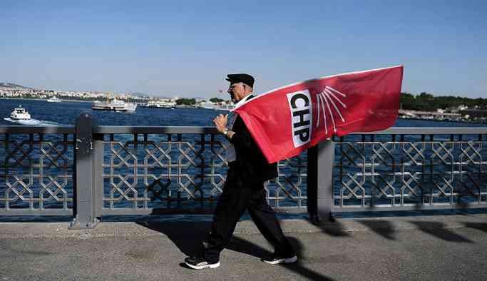 CHP'nin 'Radikal Sevgi' kitabında, Twitter öfkemizi arttırır