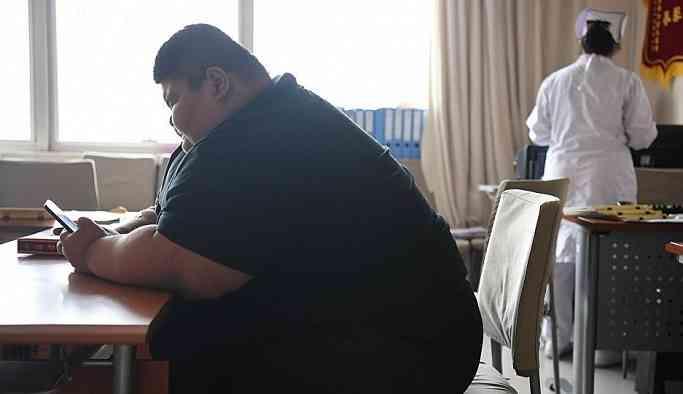Çin'in en şişman insanı olarak bilinen 334 kilo ağırlığındaki Vang, 7 ayda 142 kilo verdi
