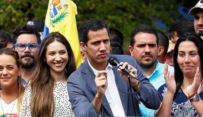 Guaido, orduya 'anayasanın yanında yer alması' için 8 gün süre verdi