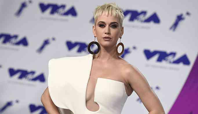 Gucci ve Prada'dan sonra Katy Perry'ye de 'ırkçı tasarım' suçlaması
