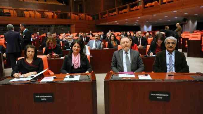 HDP 'Barış Nöbeti'nde: Leyla yaşasın diye Meclis sorumluluk almalı