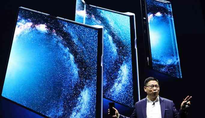 Huawei katlanabilir akıllı telefonu Mate X'i tanıttı