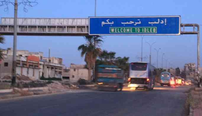 İdlib'de bomba yüklü iki araçla intihar saldırısı