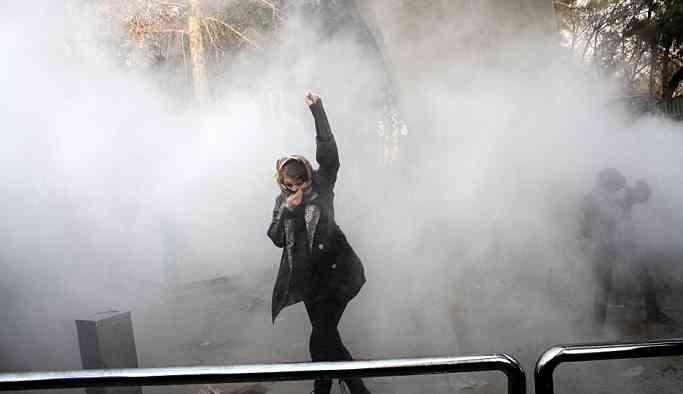 İranlı muhabir: Benim için bir utanç, derinden yaralandım!