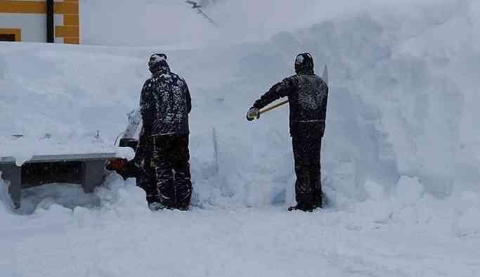 İsviçre'de çığ faciası: Çok sayıda kişi kar altında kaldı