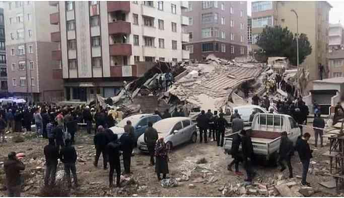 Kartal'da bina çöktü: Enkaz altında kalanlar var