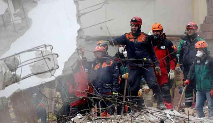 Kartal'da çöken binayla ilgili 4 gözaltı