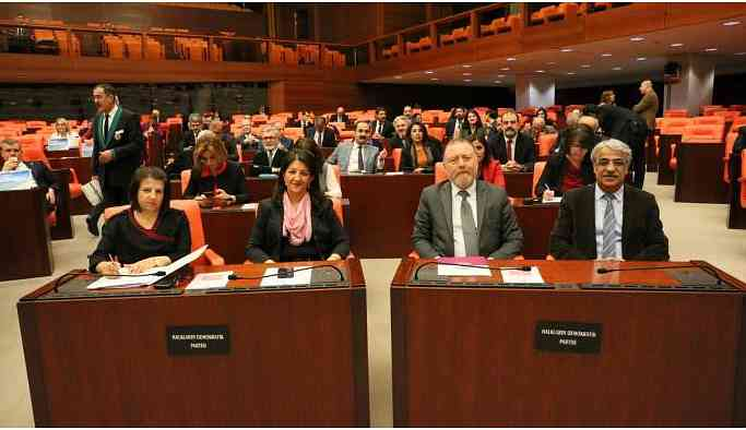 Meclis'te 'Barış Nöbeti' sona erdi