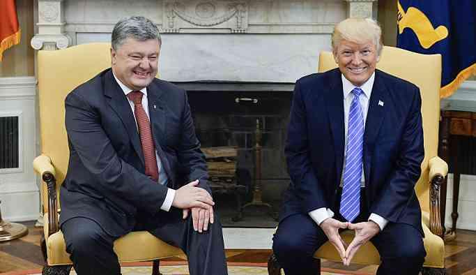 Poroşenko: Ukrayna'nın Putin'e 'kıkırdayacak' bir lidere ihtiyacı yok