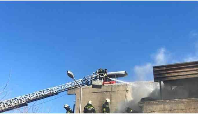 Sanayi sitesindeki bir atölyede yangın çıktı