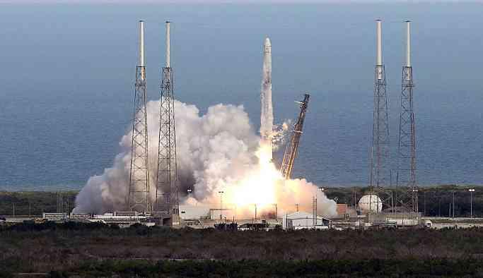SpaceX, yeni nesil roket motorunun ateşleme testini yaptı