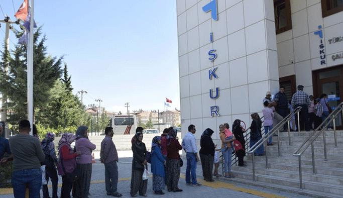Torpil her yerde: İŞKUR'da AKP yöneticisinin eşine istihdam