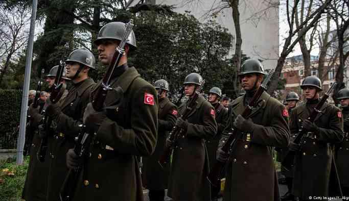 Uzmanlardan yeni askerlik sistemine eleştiri