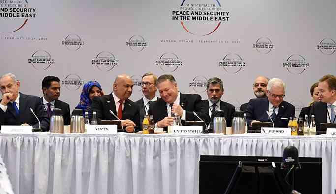 Yemen Dışişleri Bakanı'ndan Netanyahu'ya jest: Kendi mikrofonunu uzattı