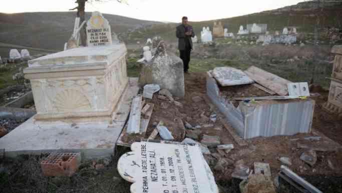 Êzidî mezarı tahrip edildi
