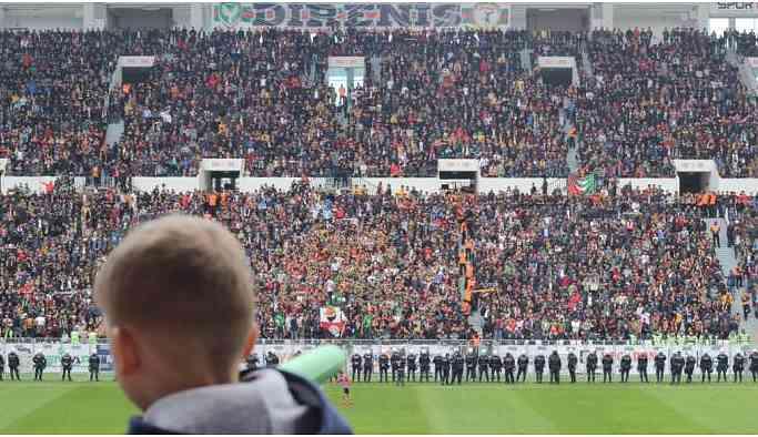 Amedspor sahasında oynadığı Sakaryaspor'la 1-1 berabere kaldı