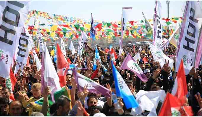 Batman'da Newroz alanı doldu taştı