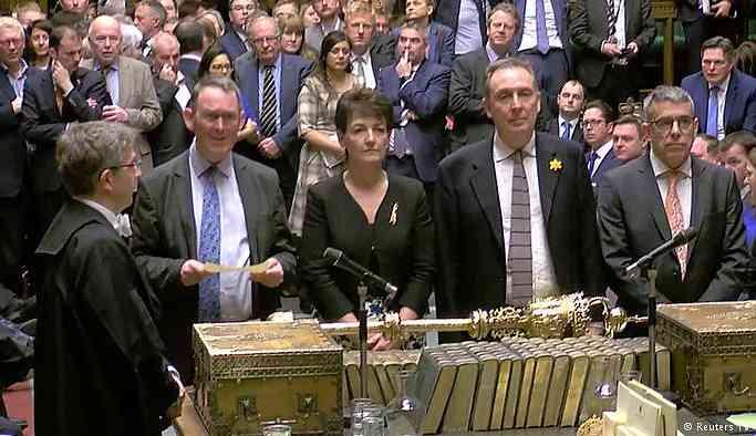 Britanya parlamentosu Brexit'e erteleme istedi