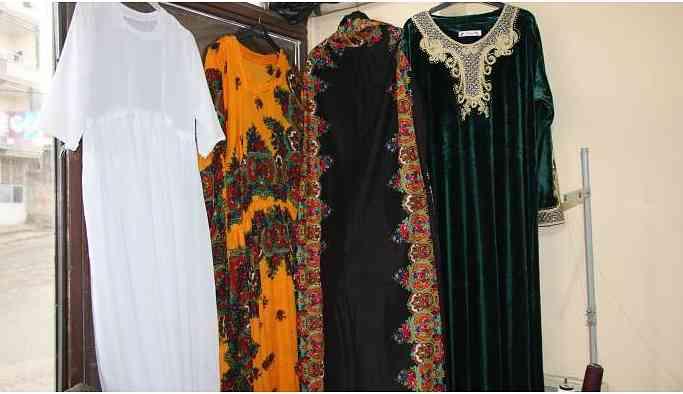 Cizre'de yöresel kıyafetler Newroz için hazırlanıyor