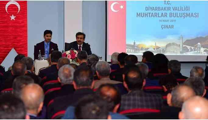 Diyarbakır Valisi muhtarı uyardı: AK Parti'ye 8 oy çıkarsa hizmet beklemeyin