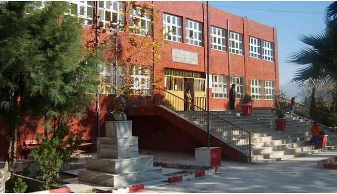Hatay okullarında Türk İslam sentezini anlatan kitaplar dağıtılıyor