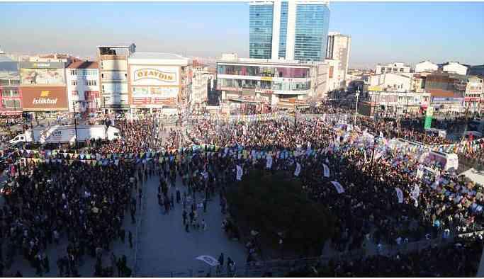 HDP'nin Esenyurt buluşması mitinge dönüştü