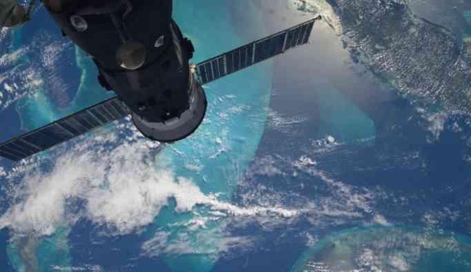 NASA'dan uyarı: Dev EA2 asteroidi Dünya'ya Ay'dan daha fazla yaklaşacak