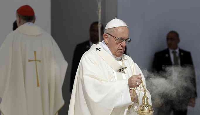 Papa Francis'den Vatikan için cinsel istismar yasası