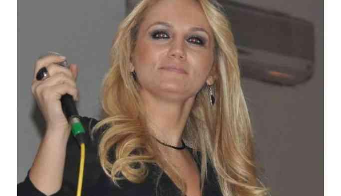 Pınar Aydınlar gözaltına alındı