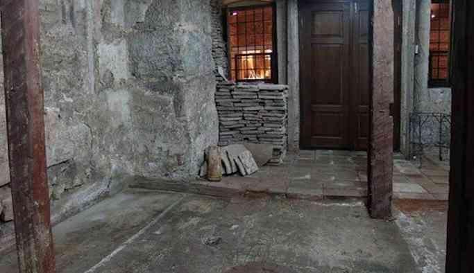 Ayasofya'da kayıp imparator vaftizhanesi keşfedildi