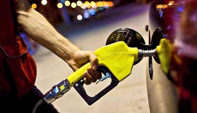 Benzin ve motorine gece yarısı zam geliyor