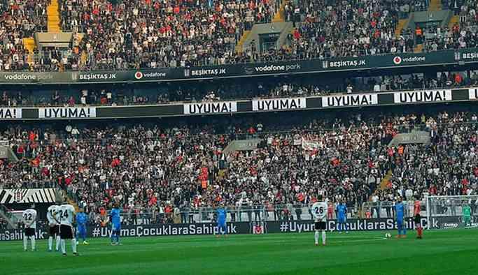 Beşiktaş Ankaragücü maçında çocuk istismarına protesto