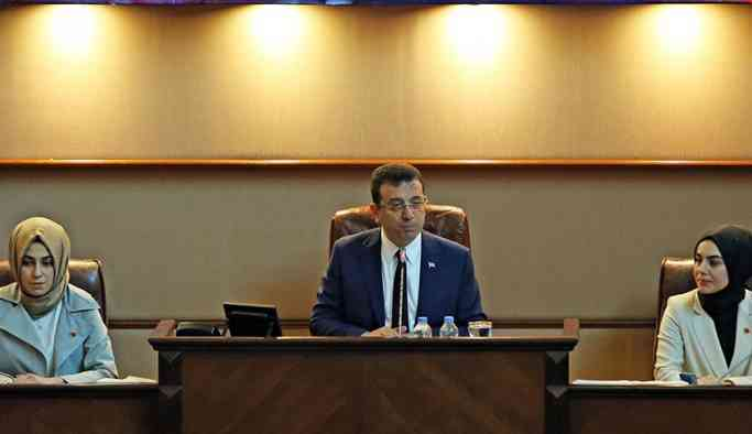 Bir ilkin yaşandığı İBB Meclisi gergin dakikalar yaşandı