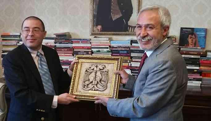 ABD Adana Konsolosu, Diyarbakır Belediye Eşbaşkanı Mızraklı'yı ziyaret etti