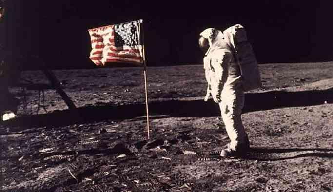 Ay'a ilk kadın astronot 2024'e kadar gönderilecek