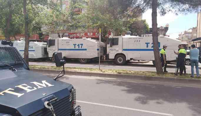 Diyarbakır'daki anneler TOMA'lar ile ablukaya alındı